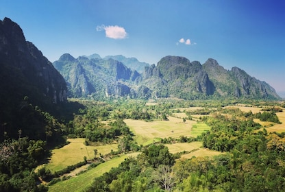 the-stunning-mountains-of-vang-vieng.jpg