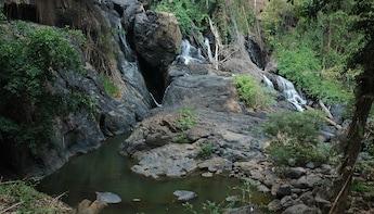 Local Life at KMT Village, Pha Sua Waterfall And Pang Oung