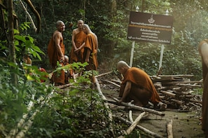 Private Karen Tribe Cultural Experience Day Trip