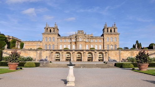 Landscape view in front of the Blenheim Palace in England