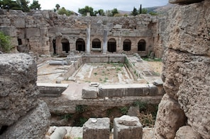 Private Day Trip to Ancient Corinth by MINIVAN