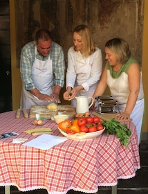 LAKE COMO FOOD TOURS - Cooking course 3.jpg