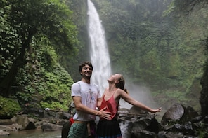 Bali Private Tour Best Waterfall with Tanah Lot Temple