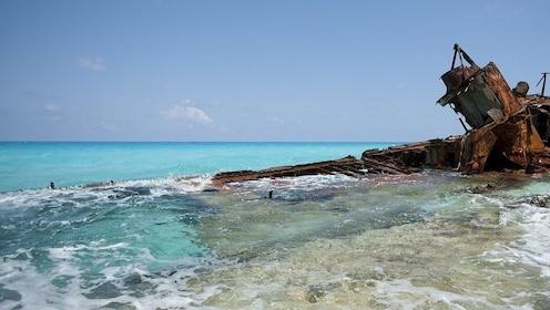 bimini-beach-boat.jpg