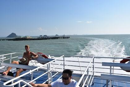 Moving Lomprayah High Speed Catamaran