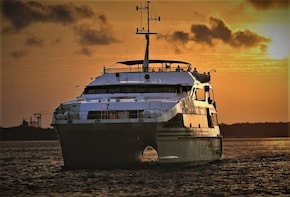 Honeymoon in Bali with 2-Hour Spa and Sunset Dinner Cruise