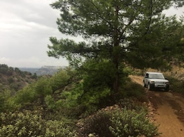 Landrover Safari following the North Route