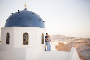 Private Photoshoot - Discover the hidden gems of Santorini