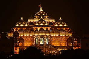 Private Full Day Delhi Temple Tour With Private Transfers