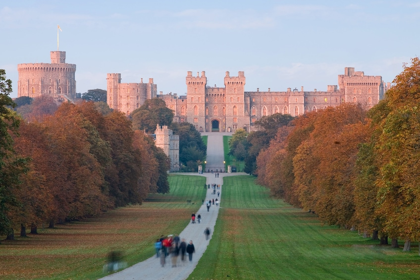 Show item 2 of 10. Discover Windsor, Oxford and Stonehenge