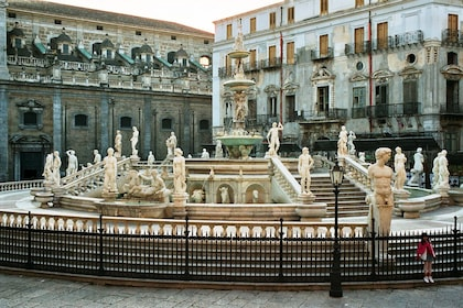 Palermo-Piazza-Pretoria-bjs2007-02[1].jpg