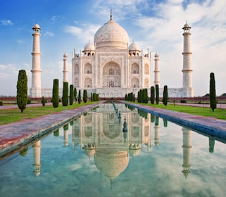 Taj Mahal in sunrise light, Agra, India_shutterstock_180918317.jpg
