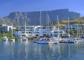 Cape Town Food, Canal and Diamonds Tour