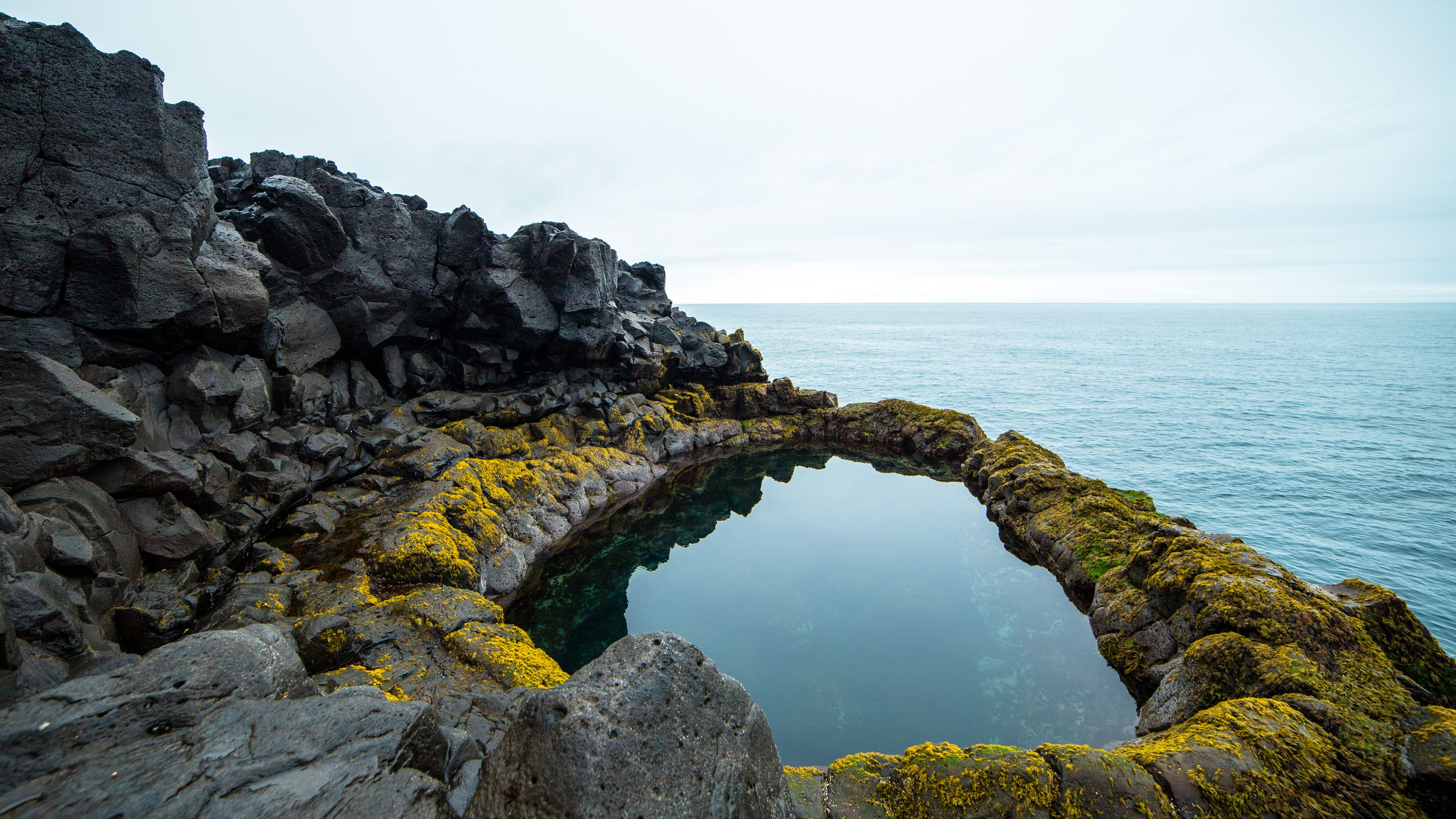 Small group stopover Reykjanes Peninsula with a local guide
