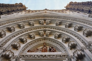 Seville Cathedral & Giralda Tower: Guided Tour and Tickets