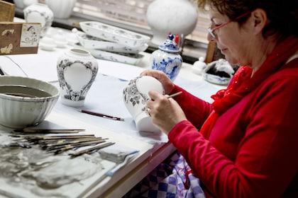 Royal Delft Experience master painter.jpg