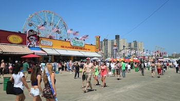 2.5 Hour Coney Island Walking and Food Tasting Tour