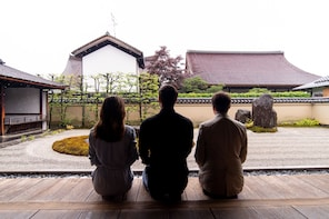 Expert-Led Private Tour of Kyoto: Shinto and Buddhism