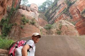 Chengdu Giant Panda & Leshan Giant Buddha GROUP Day Tour