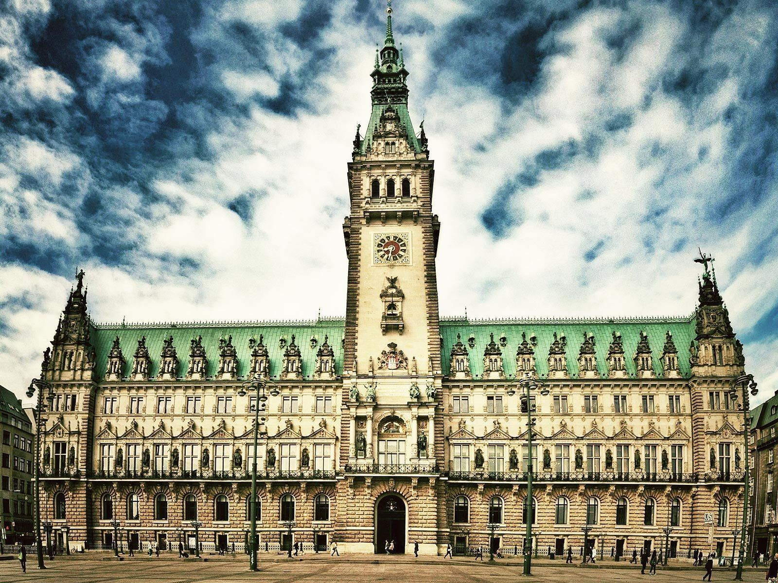 Historical Hamburg Walking Tour in German