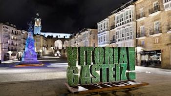 Vitoria and Añana Salt Valley Tour (from Bilbao)