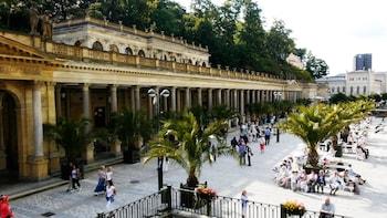 Karlovy Vary and Loket castle tour