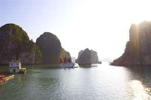 2-day Halong Bay Cruise on 3-star Junk