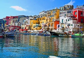 Day trip to Procida Island with Lunch