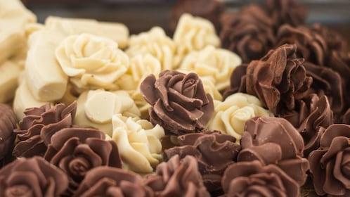 White and dark chocolate roses