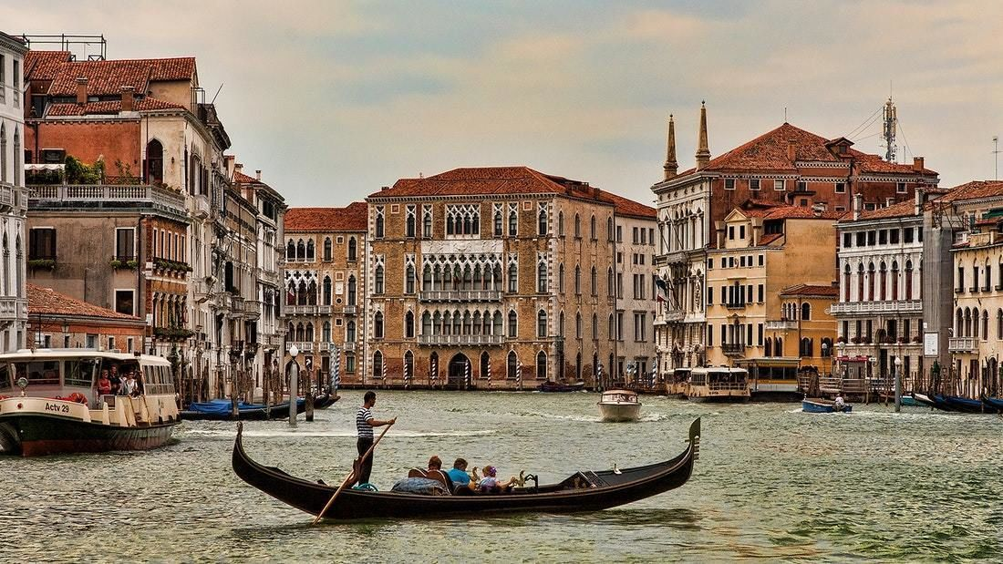 Venice Walking Tour and Gondola Ride