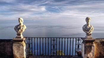VIP experience Villa Cimbrone in Ravello & Pompei from Rome