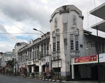 Former_Varekamp_&_Co._bookstore_and_printing_in_Medan.jpg