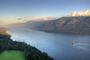 Columbia Gorge Adventure: All-Inclusive Small Group Day Tour