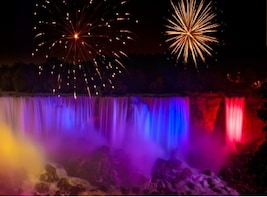 Niagara Falls Day and Evening Getaway Tour from Toronto