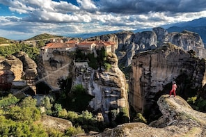 Full day Trip from Athens to Meteora by Train
