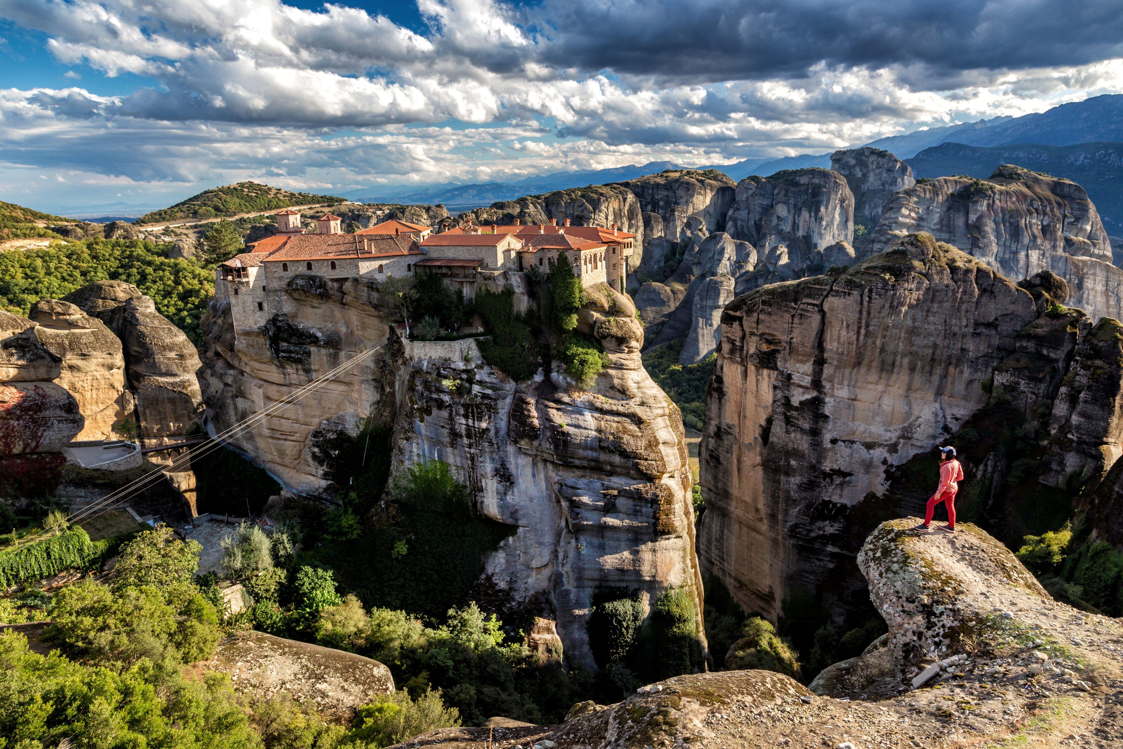 3 Days Tour Delphi - Meteora from Athens