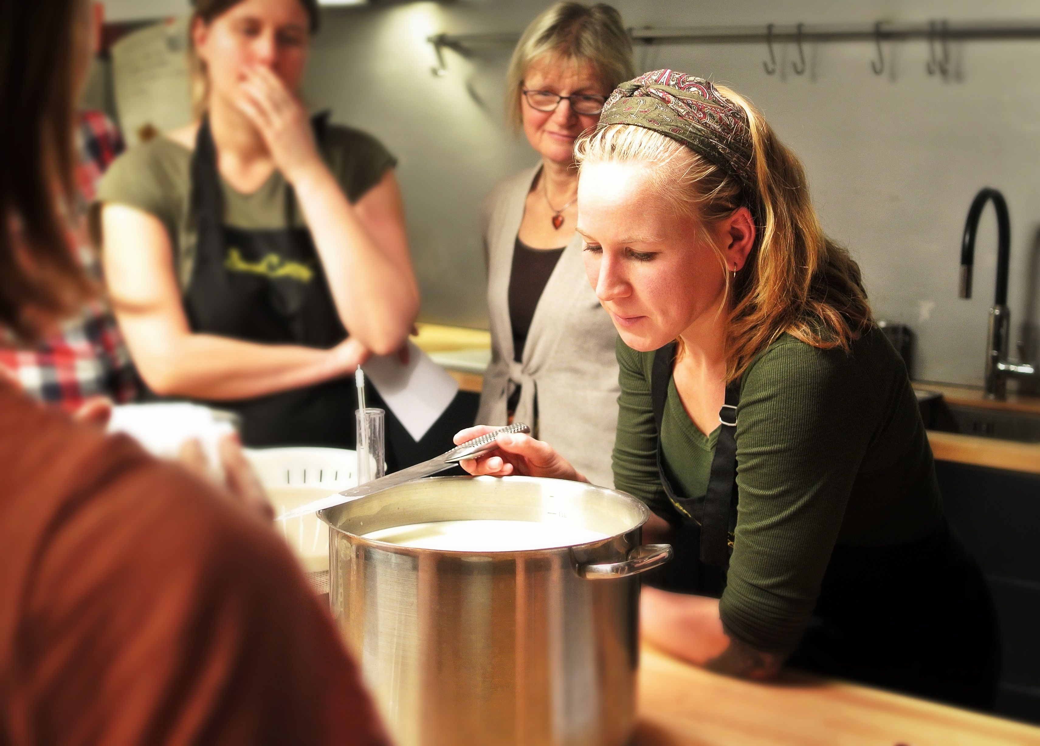 3-hour Greek Cooking Class in Athens Restaurant