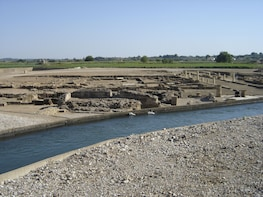 Explore the origen of ancient olympic and kourouta beach