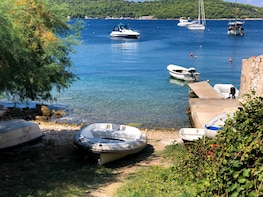Explore island Brac, Solta and Blue lagoon with luxury boat