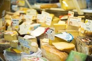 Bordeaux Old Town & Market Food Tour