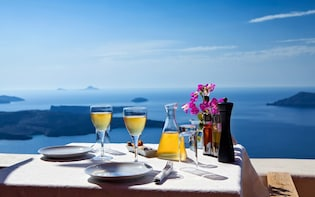 Romantic Couples Deluxe Package in Santorini
