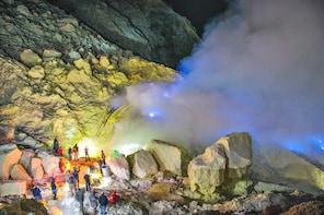 Bali Escape to Java: Mount Ijen Blue Fire Adventure