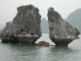 4-hour Afternoon Private Cruise on Halong Bay