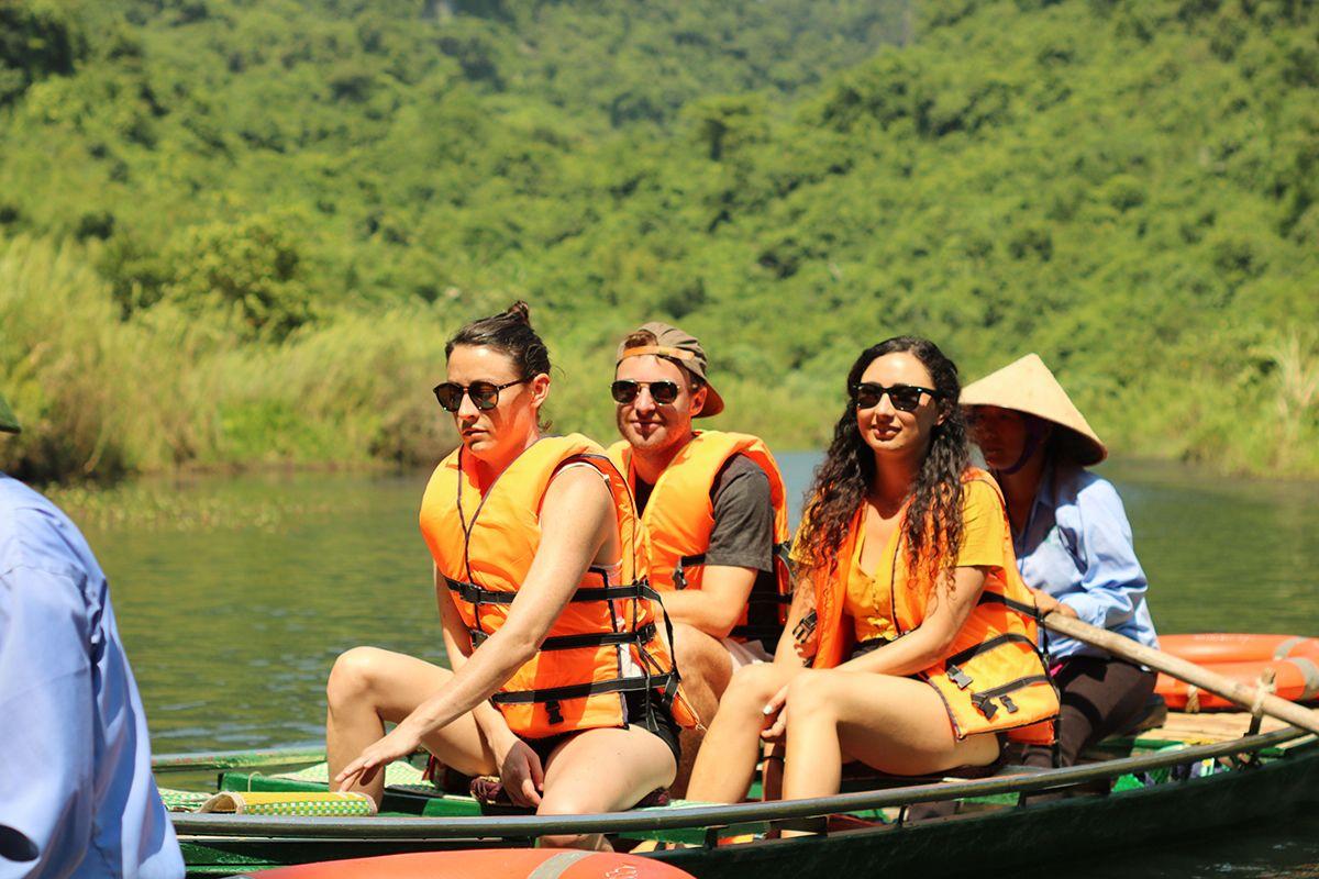 Ninh Binh, Hoa Lu, Tam Coc luxury day tour - max 07 guests