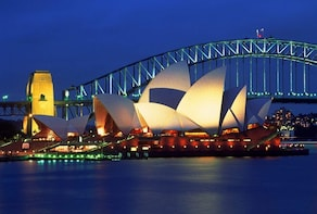 Sydney by Night - Private Tour with complimentary Supper