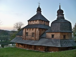 Private Half-Day Trip to Zhovkva Town and Krekhiv Monastery