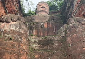 All-inclusive Full-Day Private Tour to Leshan Giant Buddha