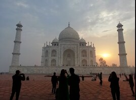 Same Day Sunrise Tour of Taj Mahal From Delhi & Agra Fort