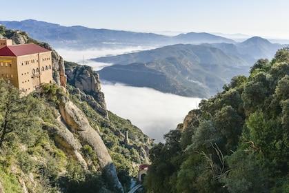 Barcelona and Montserrat w/ skip-the-lines, pickup, drop-off