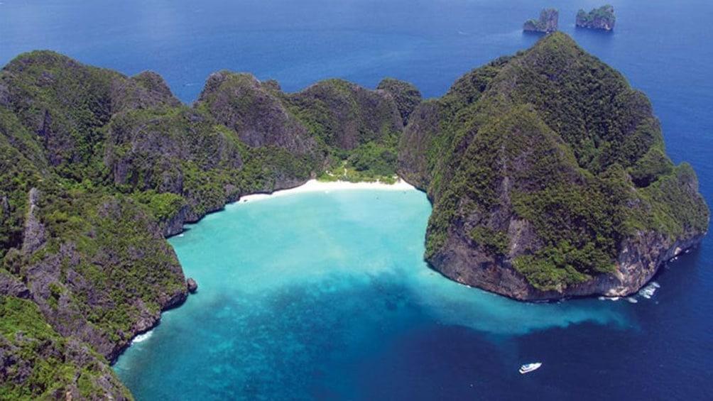 Snorkeling Tour to Phi Phi Islands From Krabi